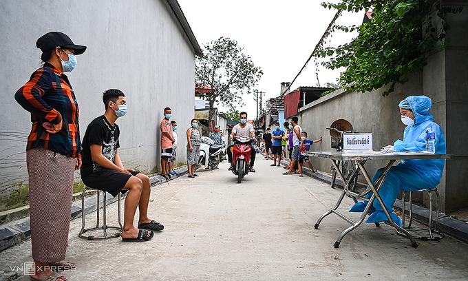 Hanoi runs high risk of coronavirus spreading