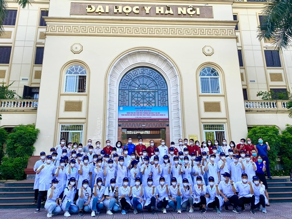 Health Minister calls for medical students to assist Bac Giang, Bac Ninh in Covid-19 fight