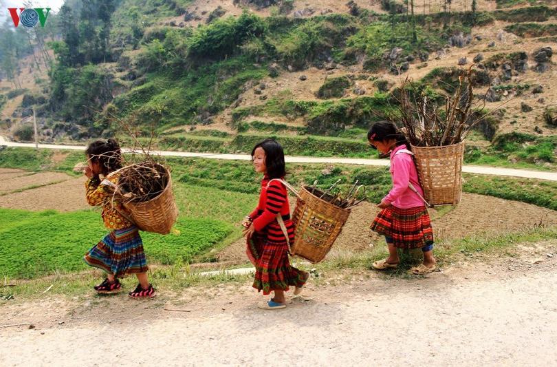 the hospitality of ethnic people on ha giang rocky plateau