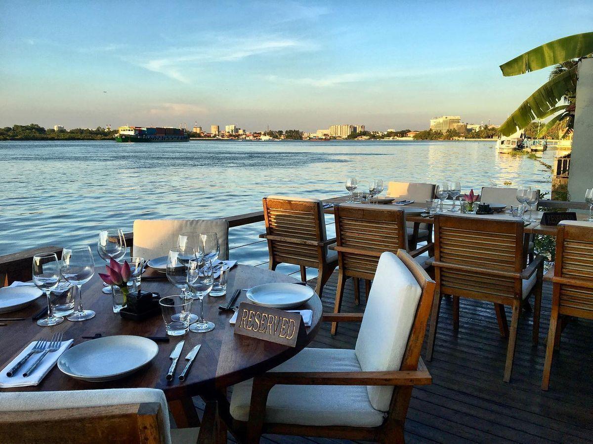 Saigon Bar listed among world top's restaurant and bar