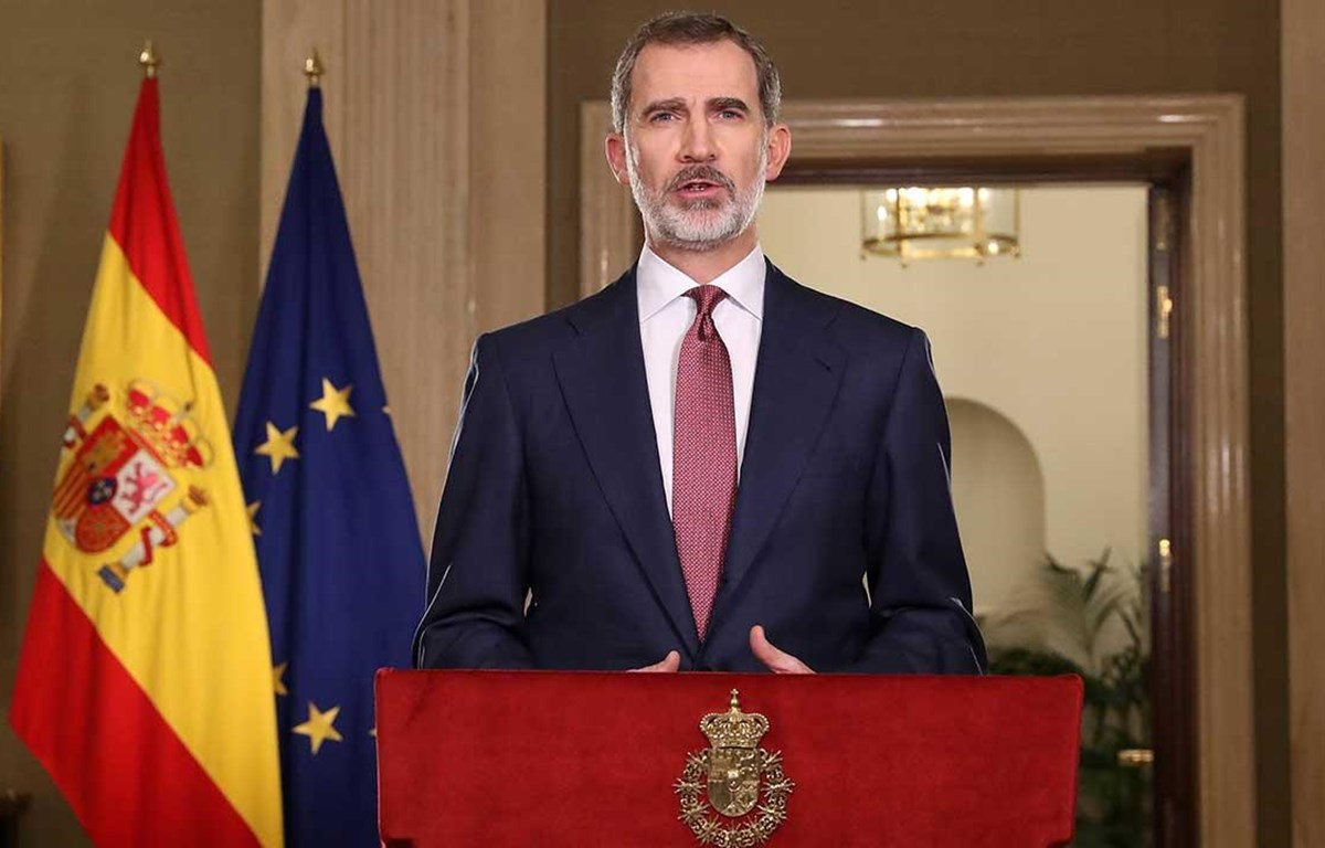 king of spain impressed with vietnams success in combating covid 19