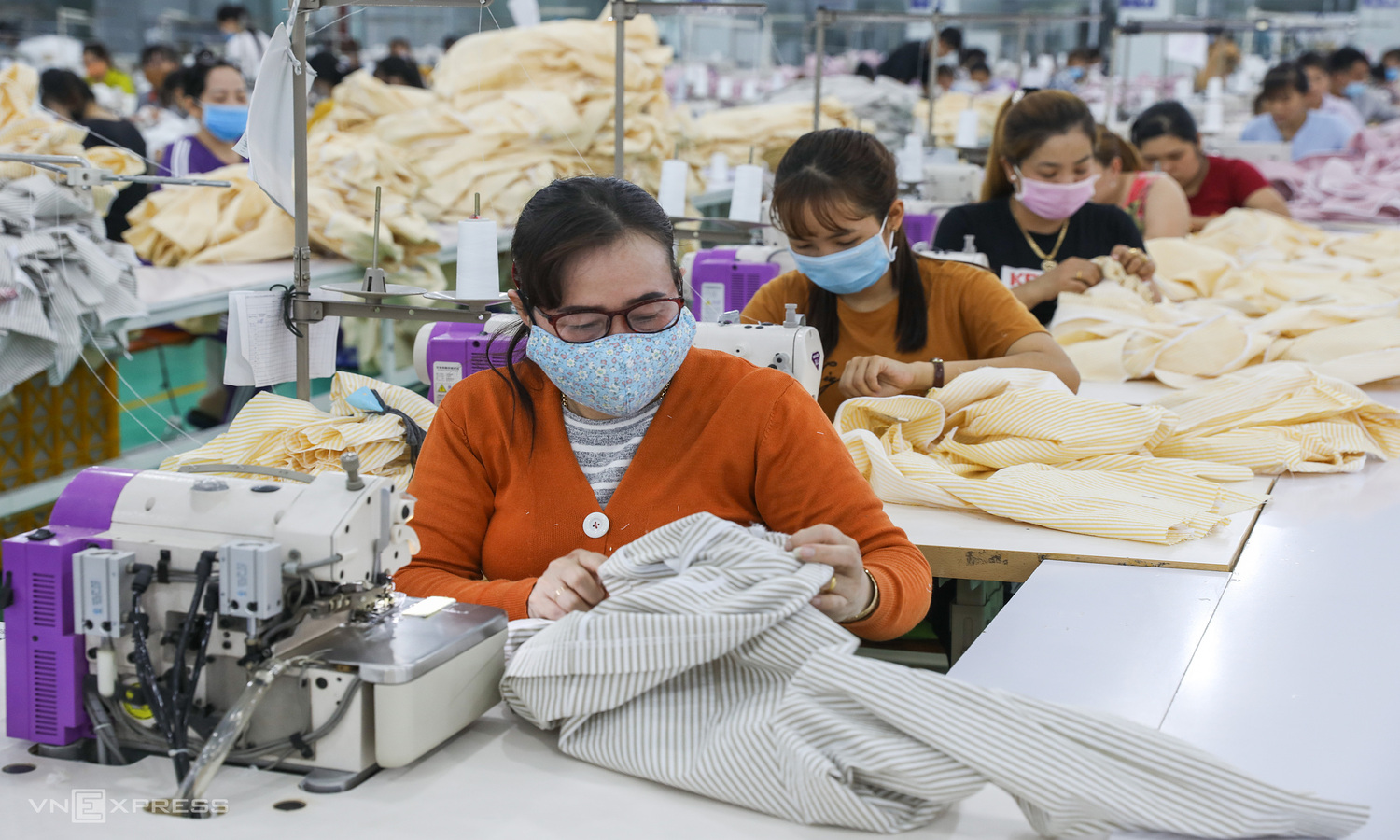 Vietnam's textile and footwear exports enjoy vigorous growth in five months