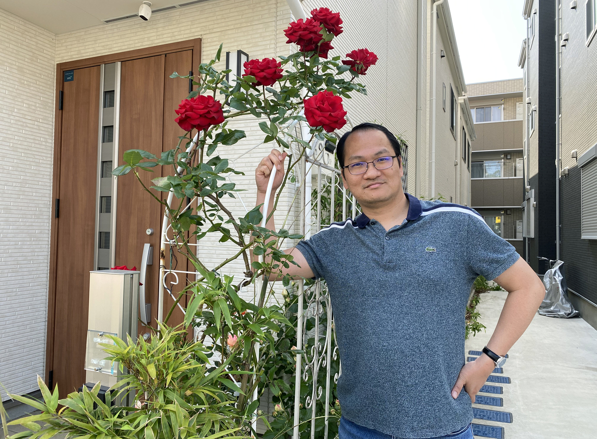 Gorgeous rose garden of Vietnamese doctor in Japan