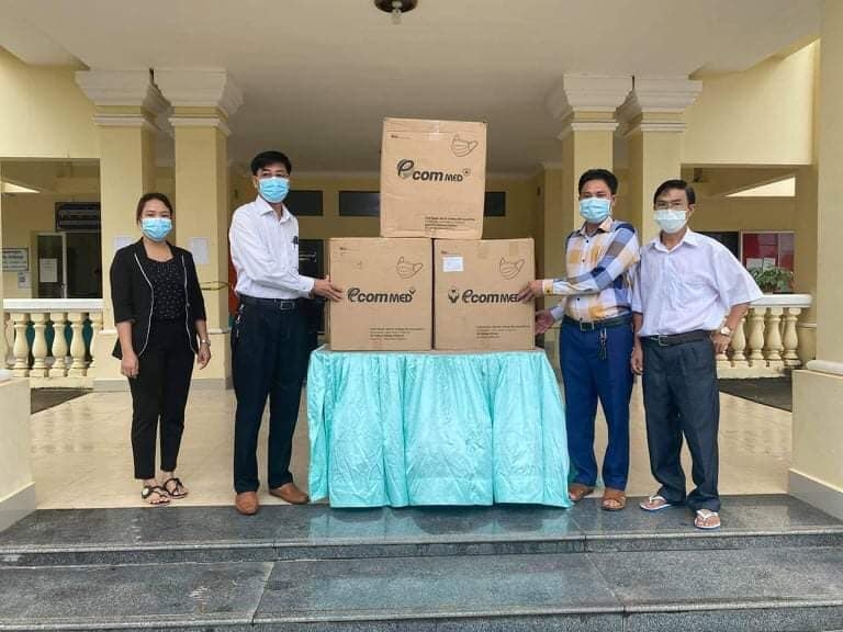 Vietnamese Consulate General in Preah Sihanouk (Cambodia) supports Koh Kong province 7,500 masks