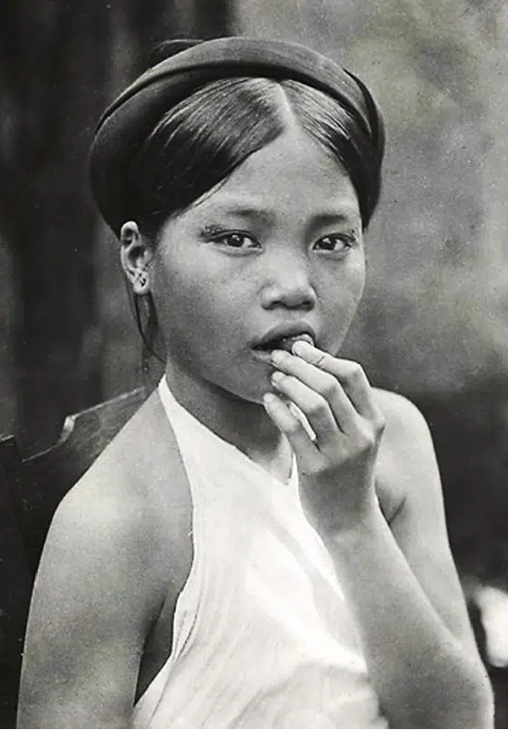 Timeless beauties: Vietnamese women, from 100 years ago, under foreign photographers' lens