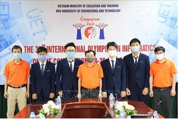 Vietnamese students win medals at Int'l informatics Olympiad 2021