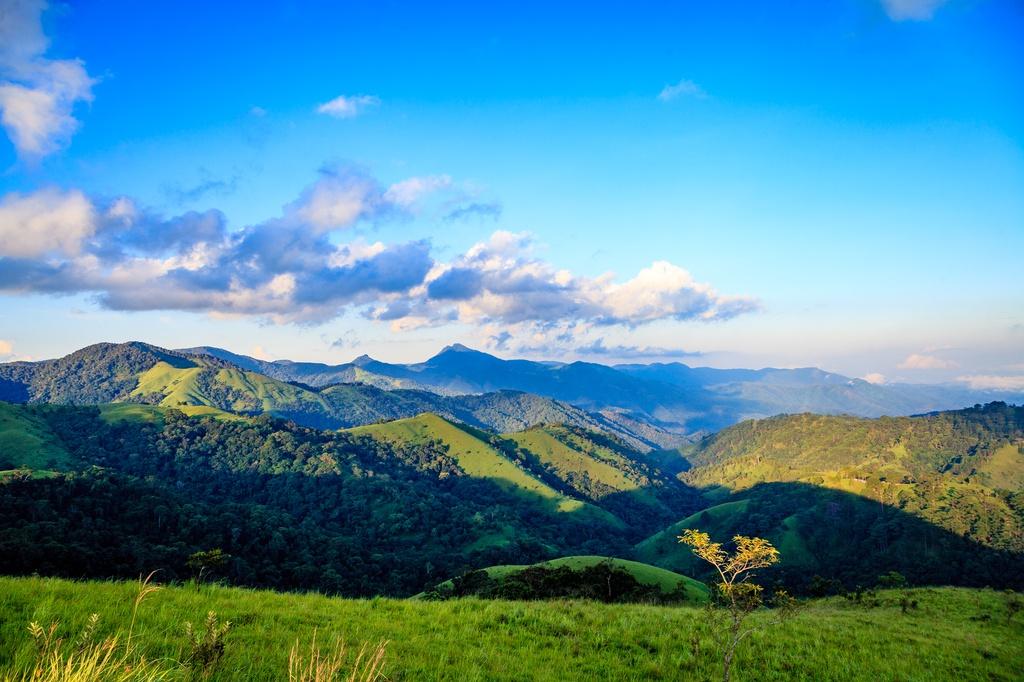Top 4 breath-taking trekking paths in Vietnam