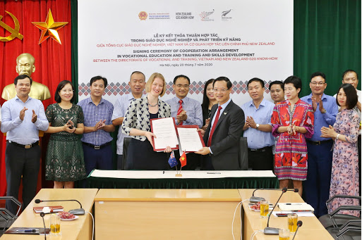 vietnam cooperates with new zealand to develop vocational education and training