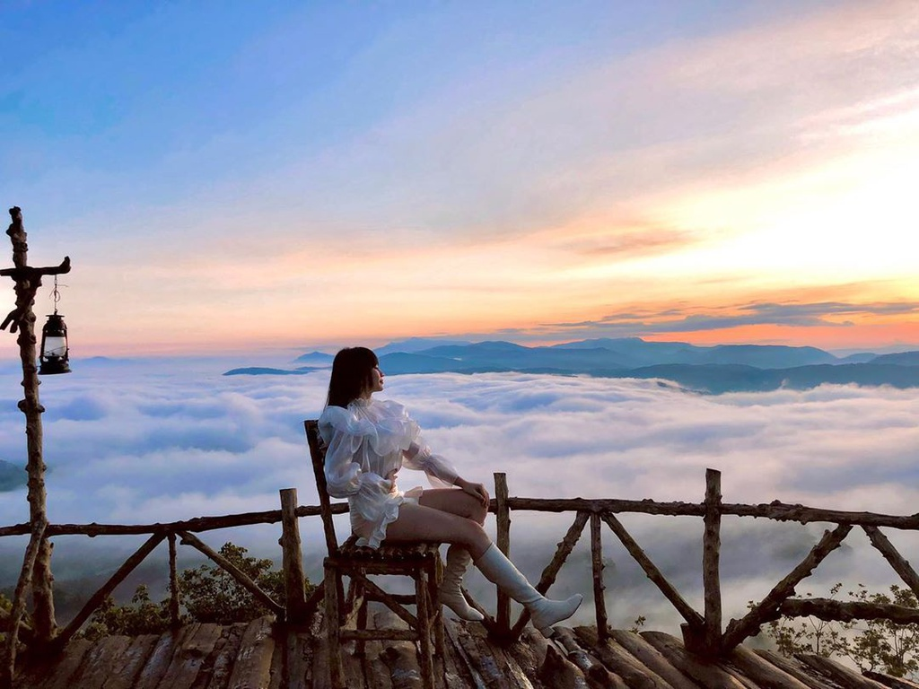 "4 ideal destinations to ""hunt"" clouds in Vietnam"