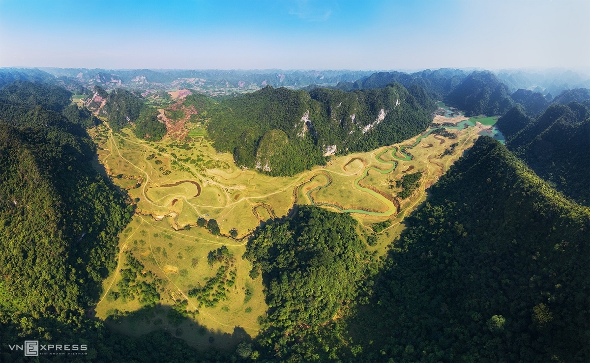 Huu Lien: The convergence of green grasslands, ideal getaway from summer