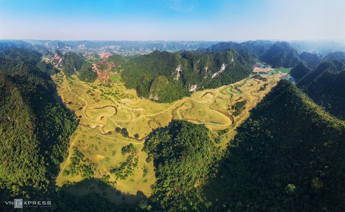 huu lien the convergence of green grasslands ideal getaway from summer