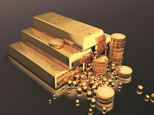 Gold prices forecast August 11: Expected to stay above $2,000, pullback in prices might for short term