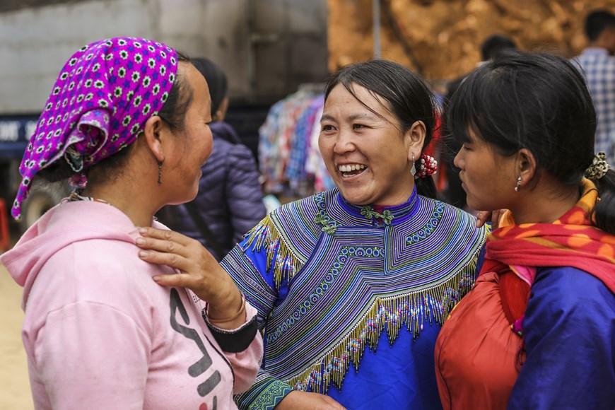 can cau market outstanding cultural trait in northwest of vietnam