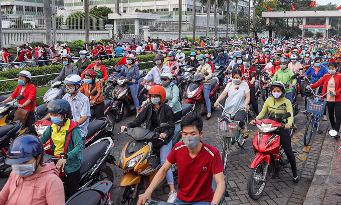 100000 vietnamese may be unemployed per month due to covid 19