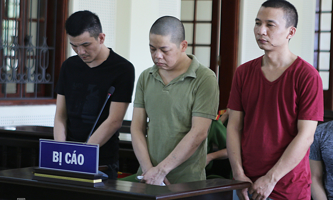 three chinese imprisoned in vietnam for stealing us 12000 from atms