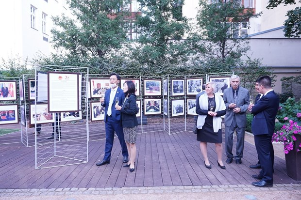 photo exhibition highlights vietnam czech traditional relations
