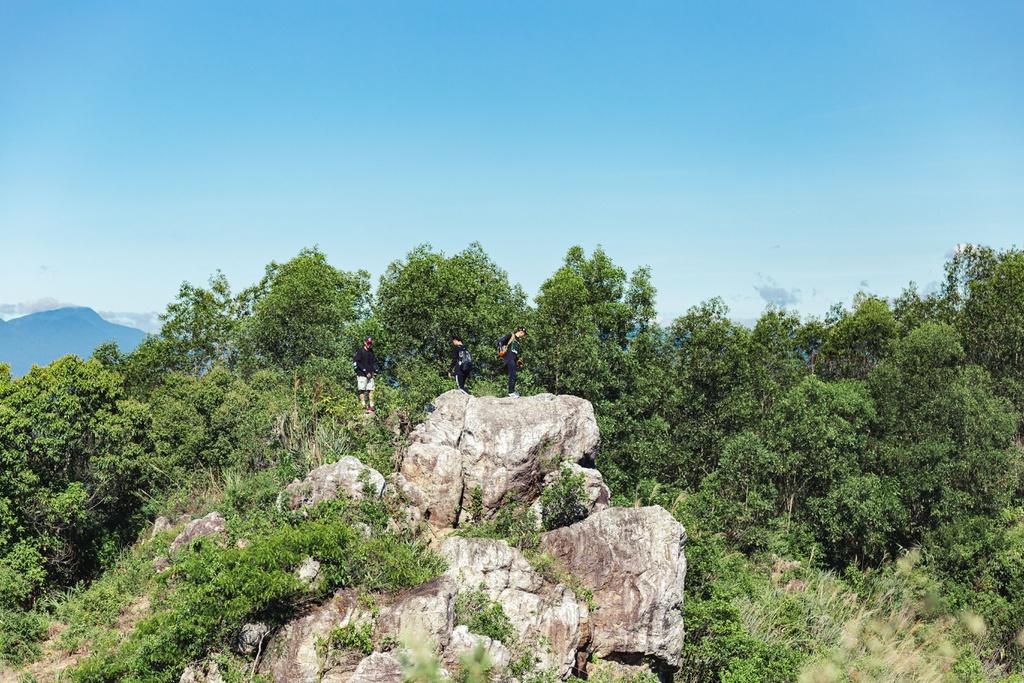 hon vuon mountain a new charm in central vietnam