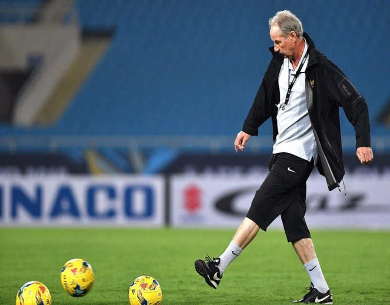 alfred riedl former vietnam football coachs passing vietnam football federation sends condolences