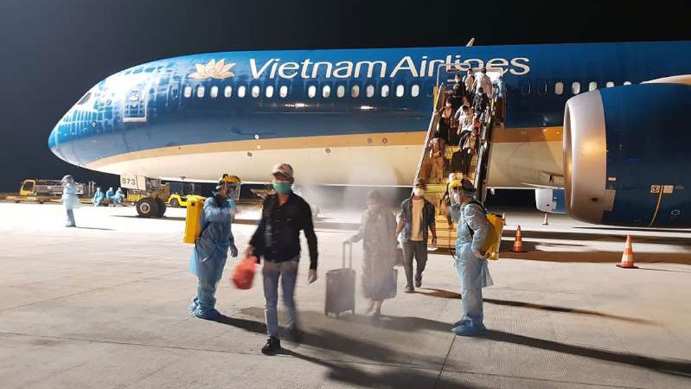 Vietnam Airlines officially resumes scheduled int