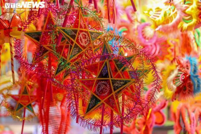 in photos colorful hanoi old quarter as mid autumn festival draws near