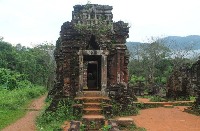 unique features of my son sanctuary in the eyes of foreign tourists