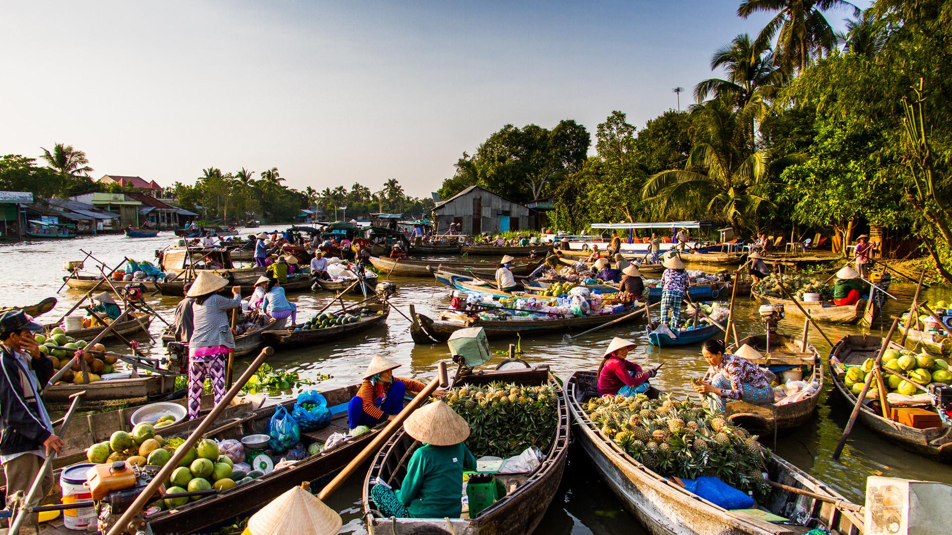 tra on floating market enduring cultural trait of vietnams mekong delta