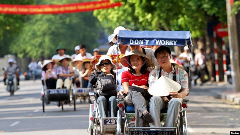 foreign visitors to vietnam declines more than 99