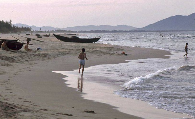 pristine beauty of da nang in early 1990s under german photographers lens