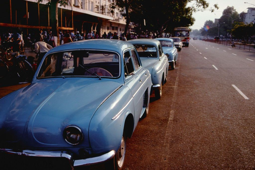 Amazing photos of traffic in Saigon in 1989