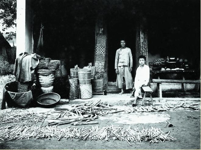 street vendors in hanoi in the old days