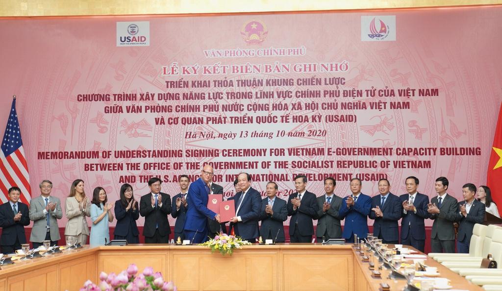 US aids Vietnam to enhance e-government capacity
