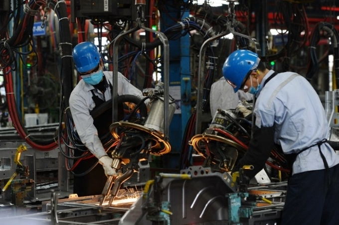IMF: Vietnam's GDP predicted to exceed Singapore's this year