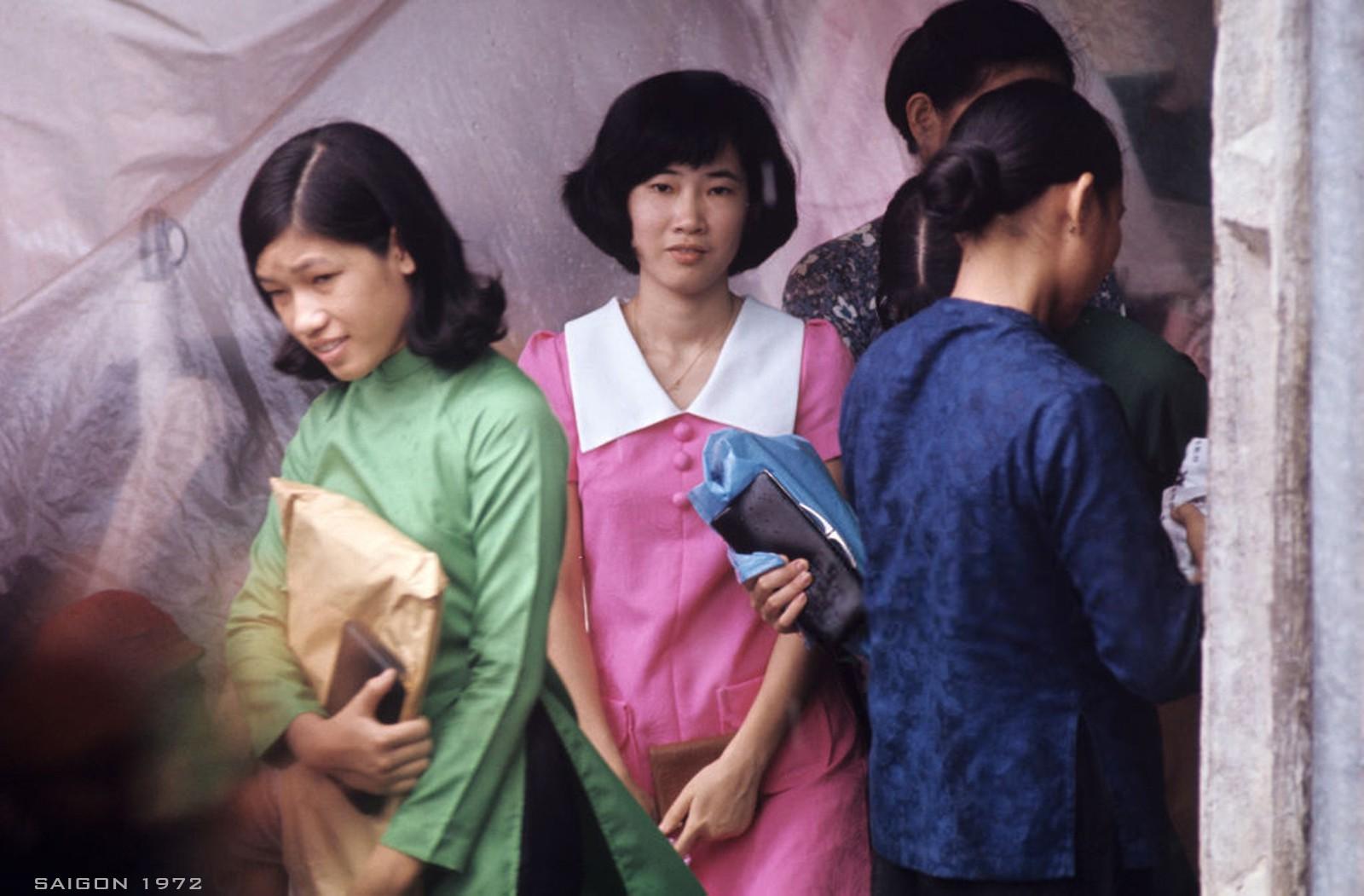 Interesting photos of Saigon women in 1972 under US photographer's lens
