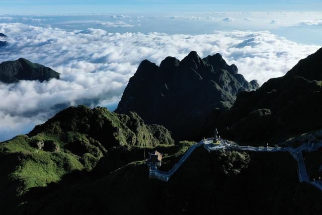fansipan mount a paradise for cloud hunters