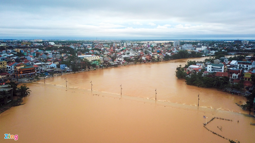 In photos: Thousands of houses in Thua Thien Hue inundated in water