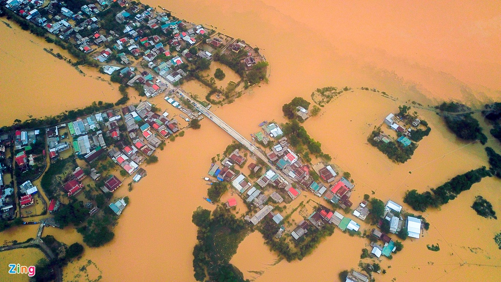 in photos thousands of houses in thua thien hue inundated water