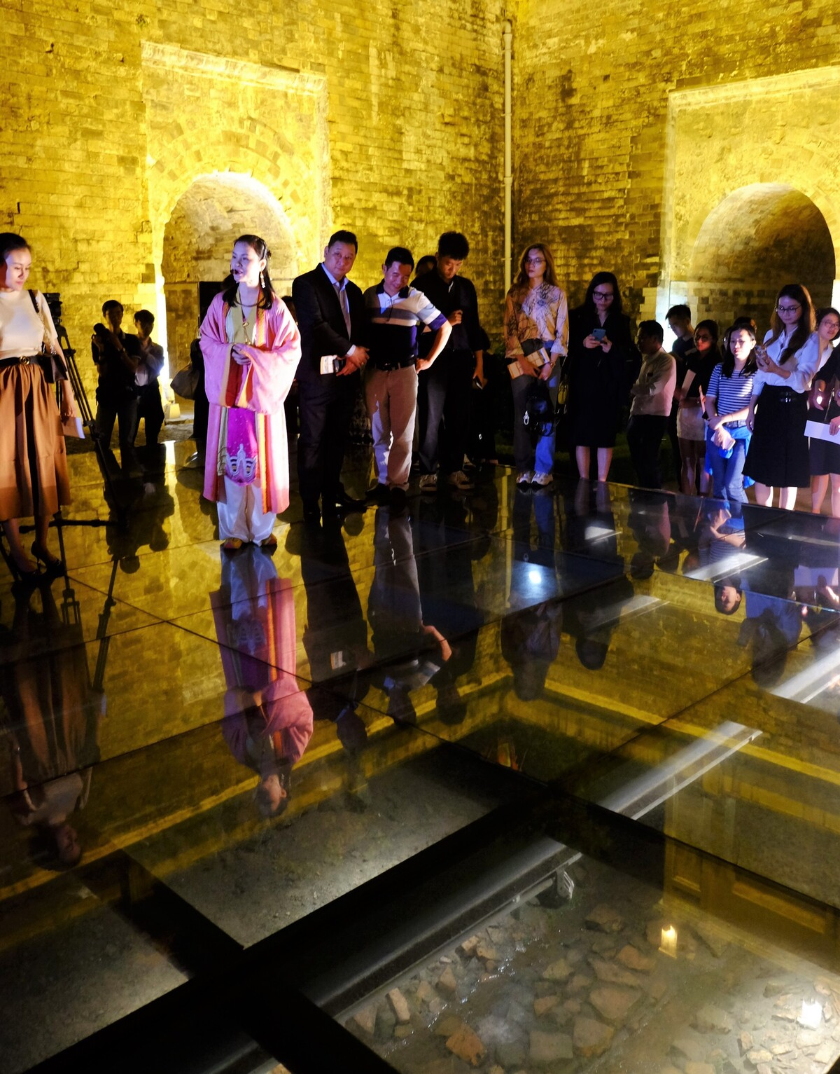 Thang Long Imperial Citadel tour at night to make debut at the end of this year