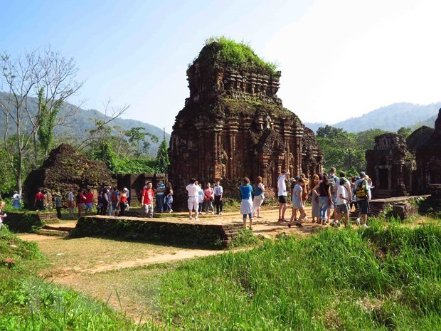 foreign arrivals to vietnam slightly rise in october