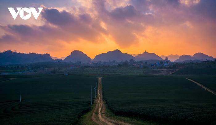 glorious sunset in vietnams mountainous regions