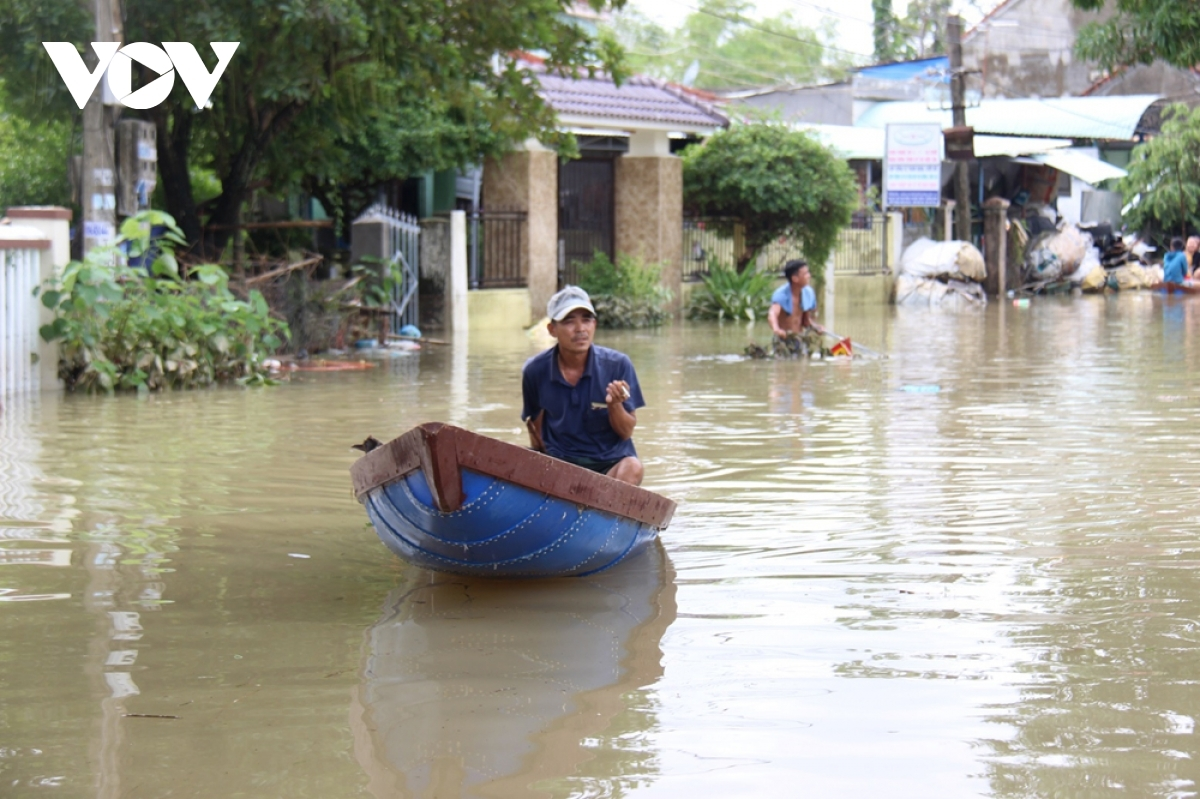 Micronesia aids US$100,000 for flood-stricken people in central Vietnam