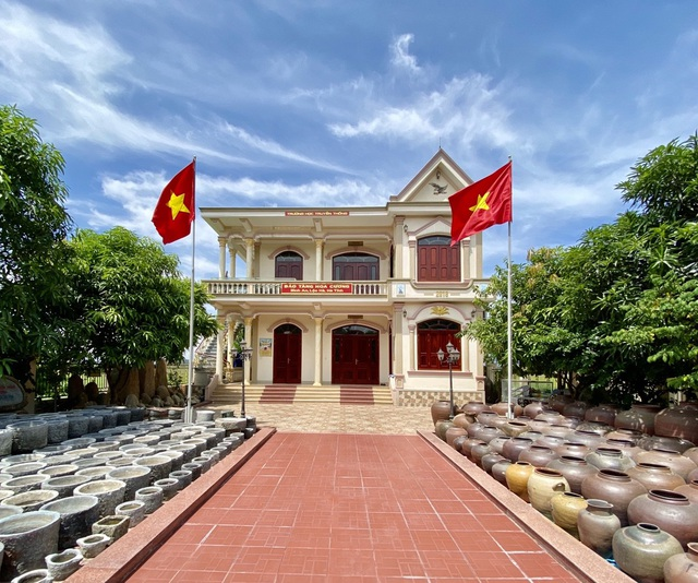 one of a kind museum of an old teacher in central vietnam