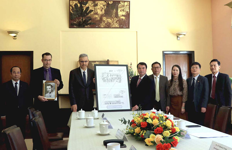 french ambassador gifts graphic architectural design of bao dai palace to vietnam
