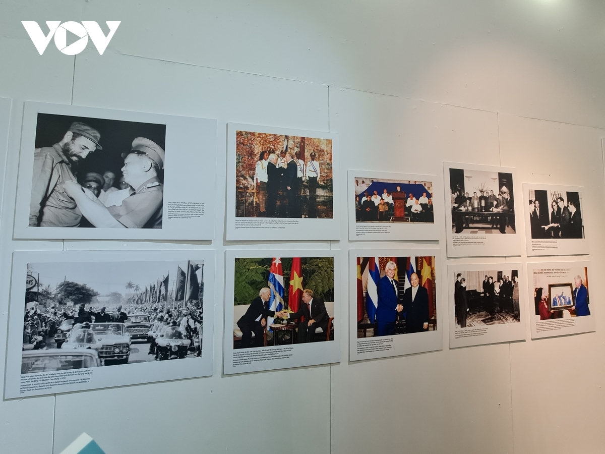 Photo exhibition highlights Vietnam-Cuba diplomatic relations