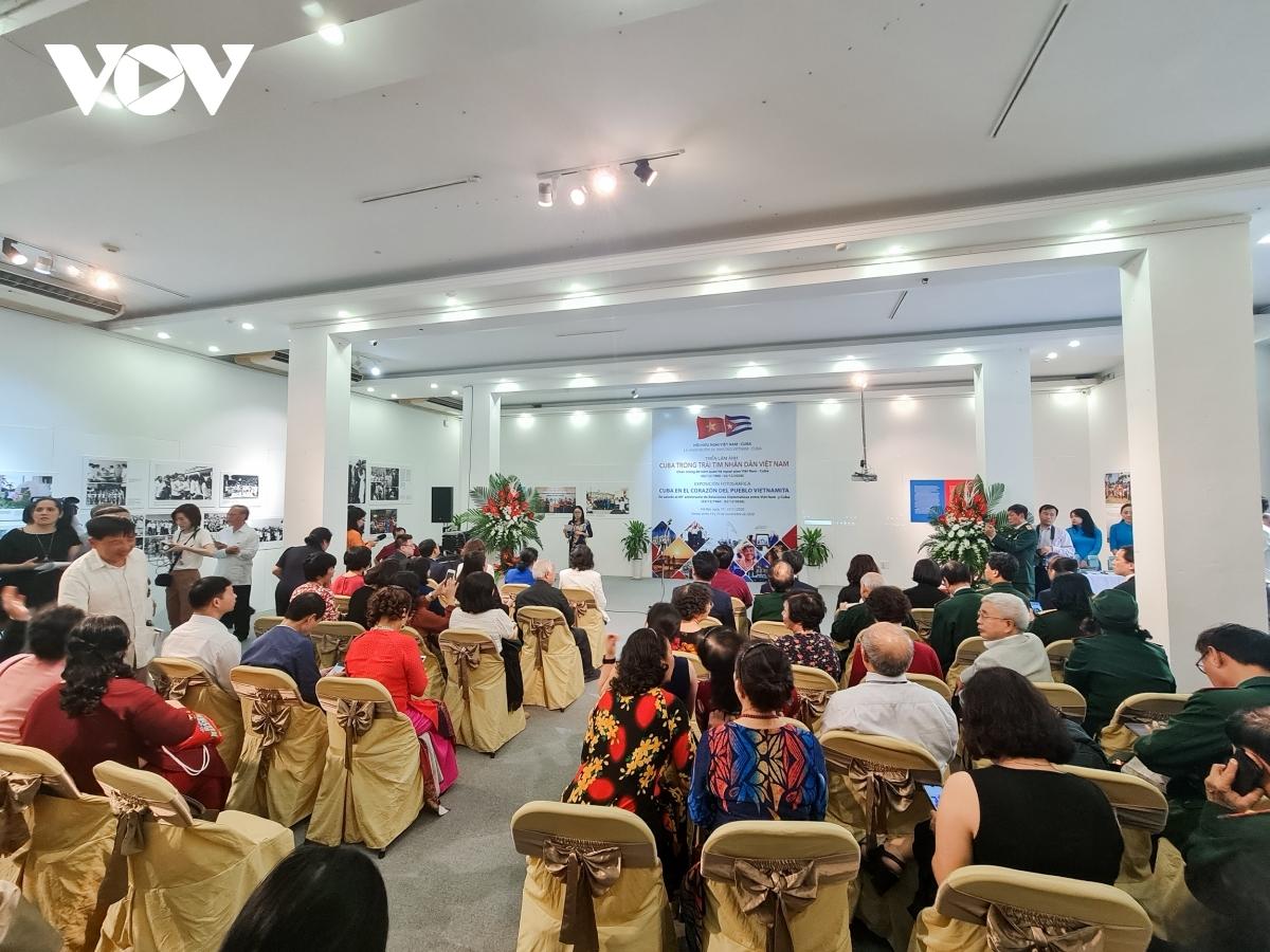 photo exhibition highlights vietnam cuba diplomatic relations
