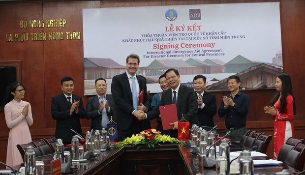 ADB and Vietnam sign US$2.5 million deal for disaster recovery central provinces