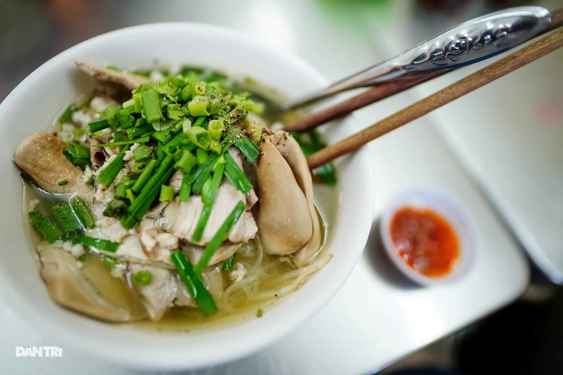 Five eateries offer nostalgic taste in Vietnam's southern metropolis