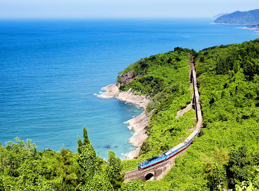 Vietnam's Reunification Express named among top 10 world's most amazing train journeys