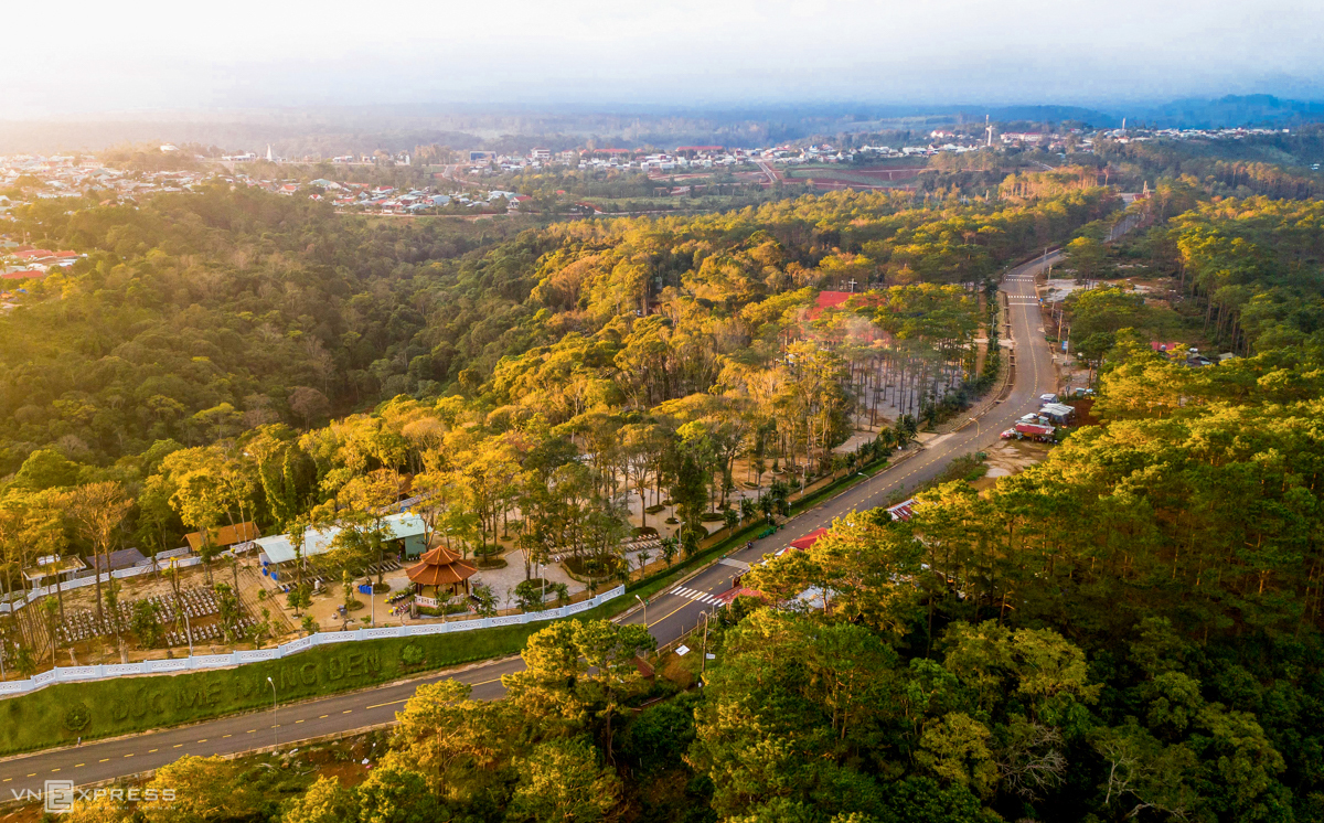 peaceful beauty of town dubbed as the second da lat of central highlands