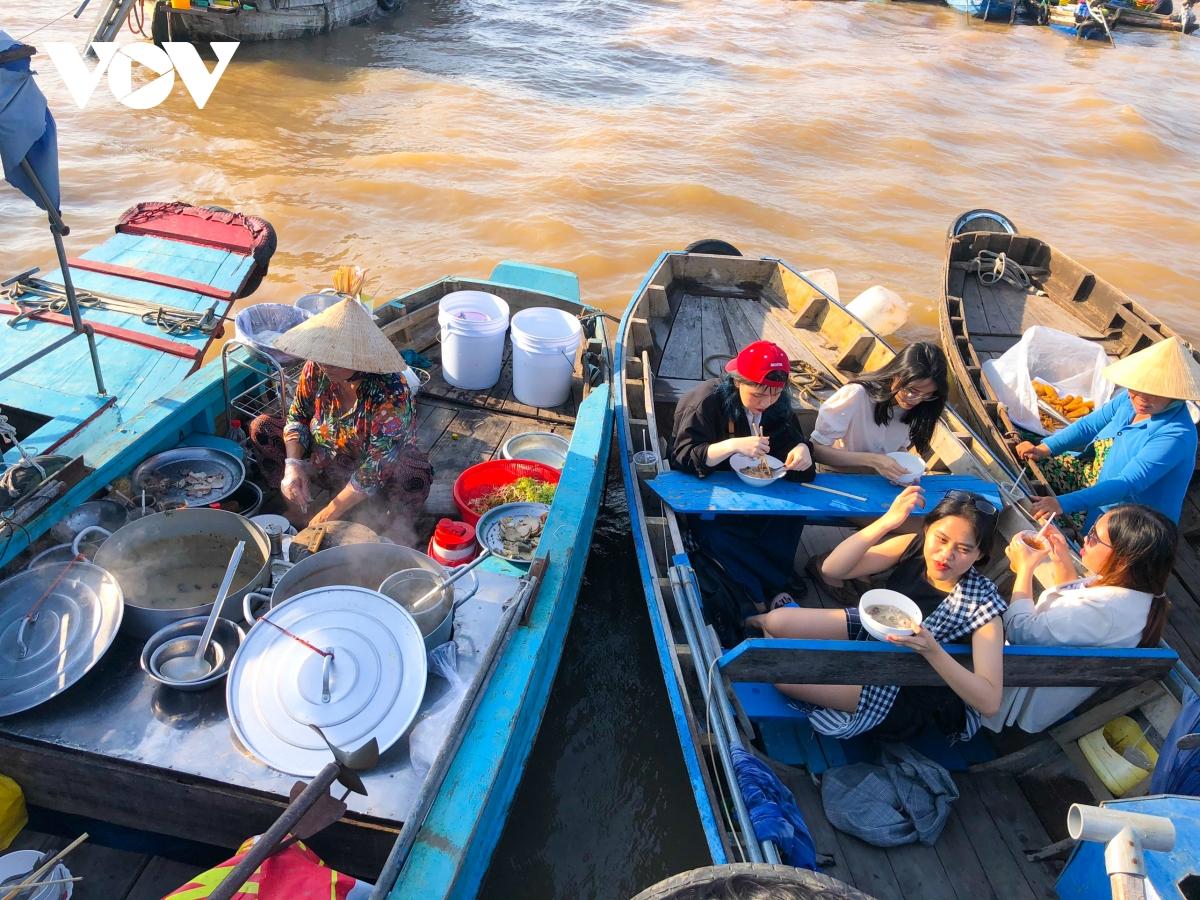 Cai Rang floating market, a highlight of Vietnam's Mekong Delta