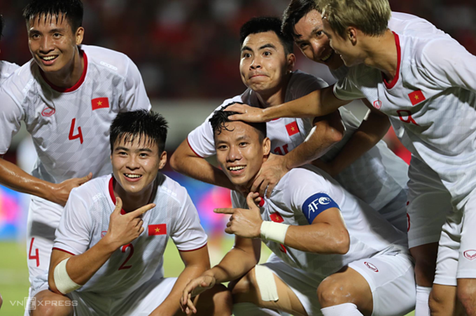 Vietnamese team climbs one place in FIFA ranking